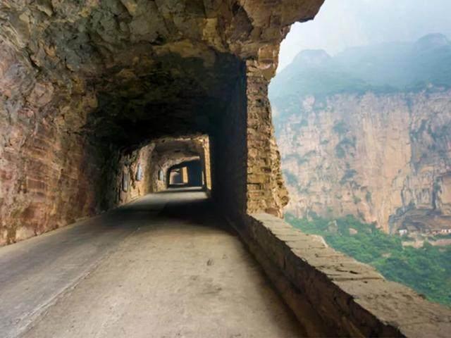 太行山·挂壁公路 I 穿行于壁立千仞的悬崖之上-18.jpg