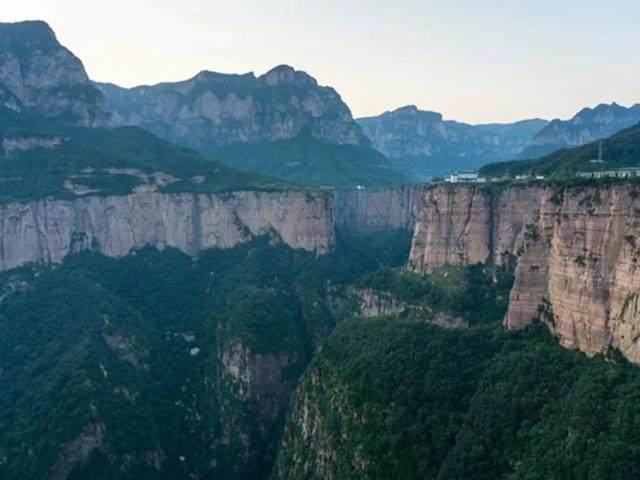 太行山·挂壁公路 I 穿行于壁立千仞的悬崖之上-20.jpg