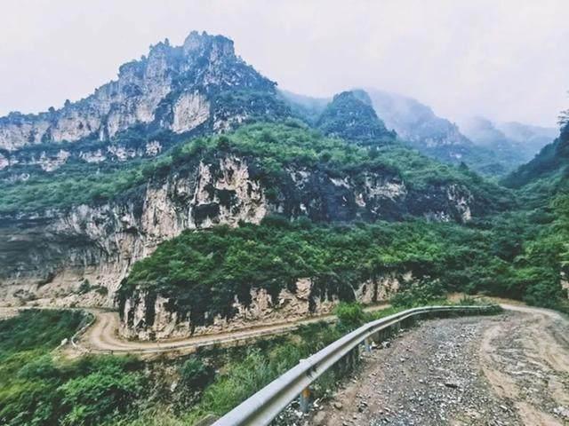 太行山·挂壁公路 I 穿行于壁立千仞的悬崖之上-23.jpg