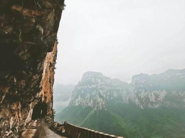太行山·挂壁公路 I 穿行于壁立千仞的悬崖之上-27.jpg