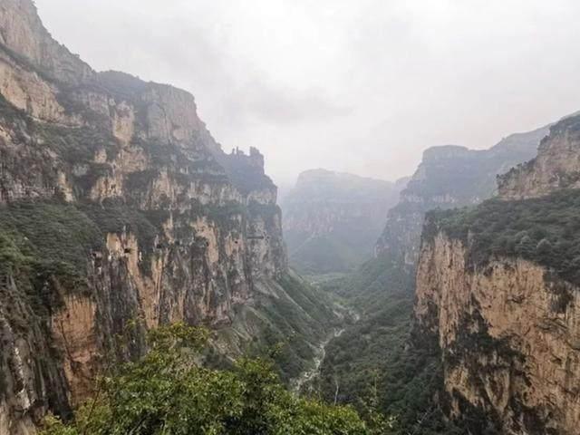 太行山·挂壁公路 I 穿行于壁立千仞的悬崖之上-29.jpg