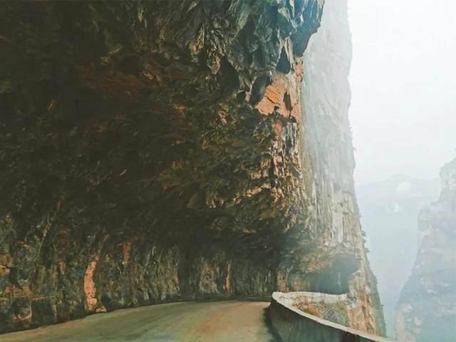 太行山·挂壁公路 I 穿行于壁立千仞的悬崖之上-28.jpg