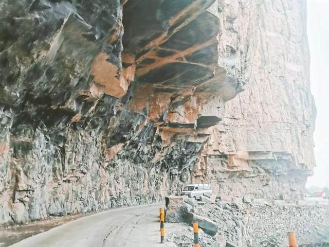 太行山·挂壁公路 I 穿行于壁立千仞的悬崖之上-31.jpg