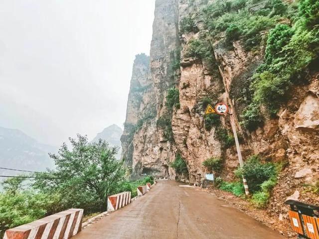 太行山·挂壁公路 I 穿行于壁立千仞的悬崖之上-33.jpg