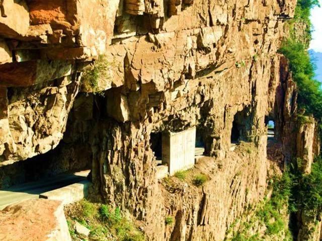 太行山·挂壁公路 I 穿行于壁立千仞的悬崖之上-46.jpg