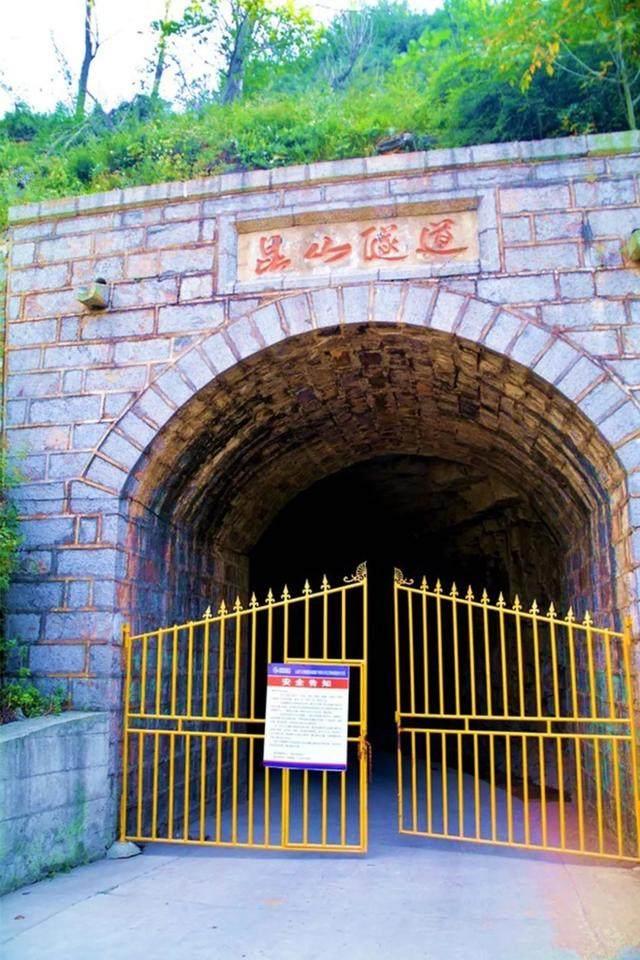 太行山·挂壁公路 I 穿行于壁立千仞的悬崖之上-48.jpg