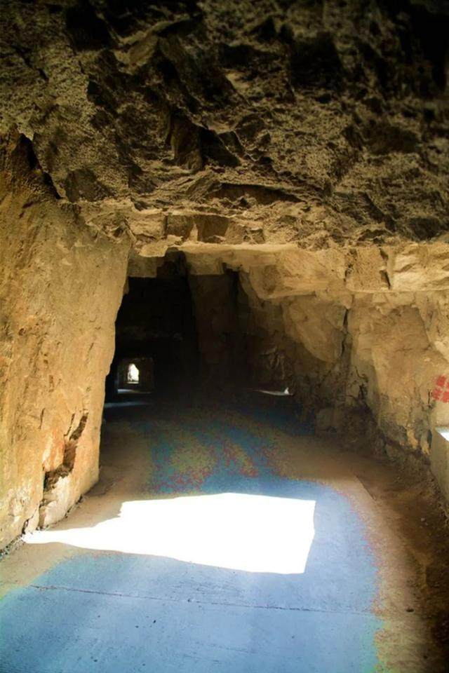 太行山·挂壁公路 I 穿行于壁立千仞的悬崖之上-51.jpg