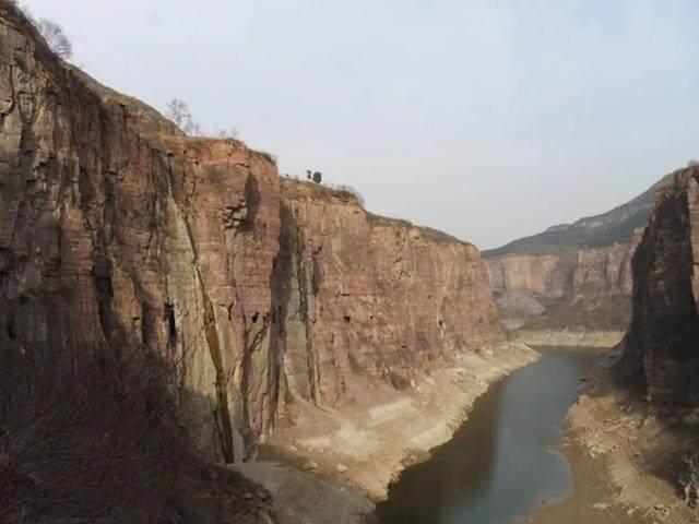 太行山·挂壁公路 I 穿行于壁立千仞的悬崖之上-52.jpg
