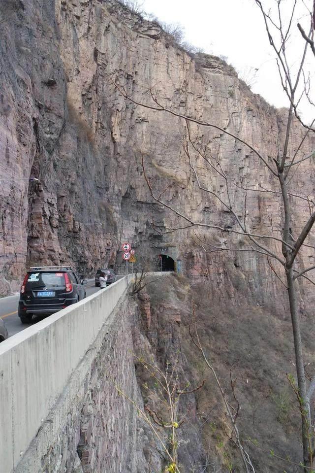 太行山·挂壁公路 I 穿行于壁立千仞的悬崖之上-54.jpg