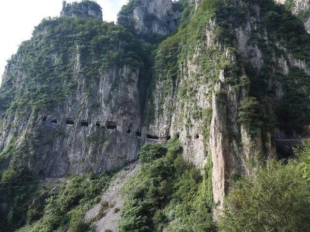 太行山·挂壁公路 I 穿行于壁立千仞的悬崖之上-56.jpg