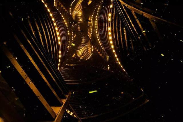 丽泽SOHO获最佳高层建築奖,建築极具幻想和超现实主义設計-26.jpg