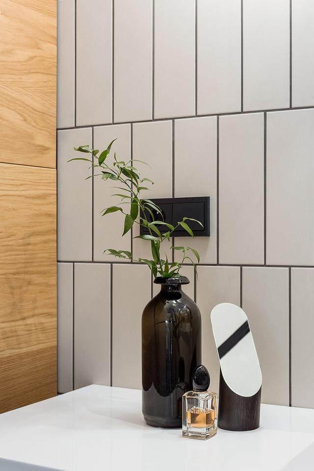 明亮简约的中世纪现代主义公寓,复古优雅的居住空间空间-19.jpg