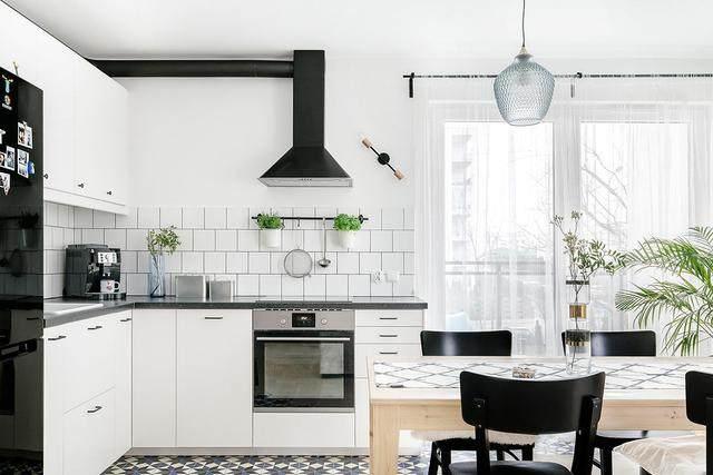 明亮简约的中世纪现代主义公寓,复古优雅的居住空间空间-38.jpg