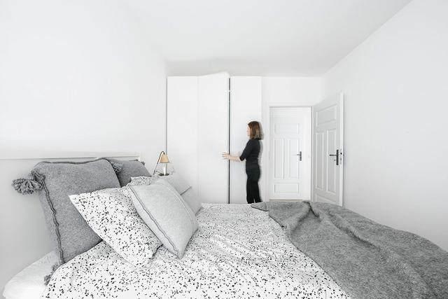 明亮简约的中世纪现代主义公寓,复古优雅的居住空间空间-36.jpg