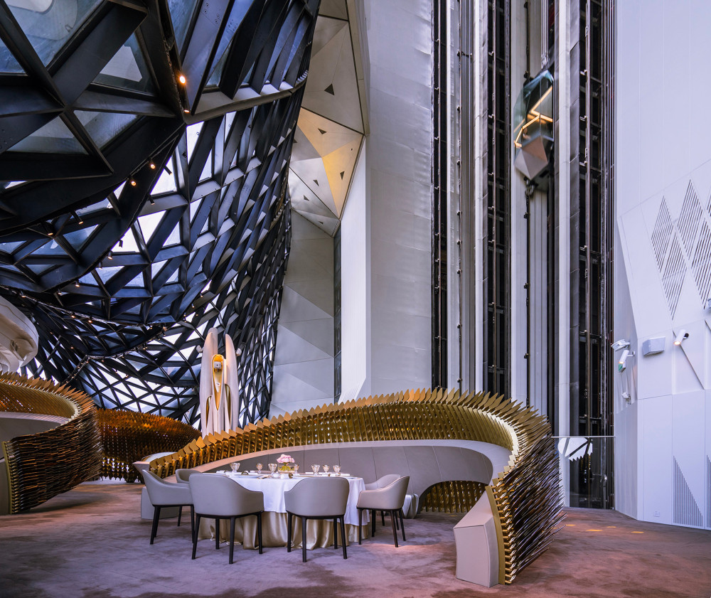 005-unique-dining-pods-for-morpheus-hotel-by-uap.jpg
