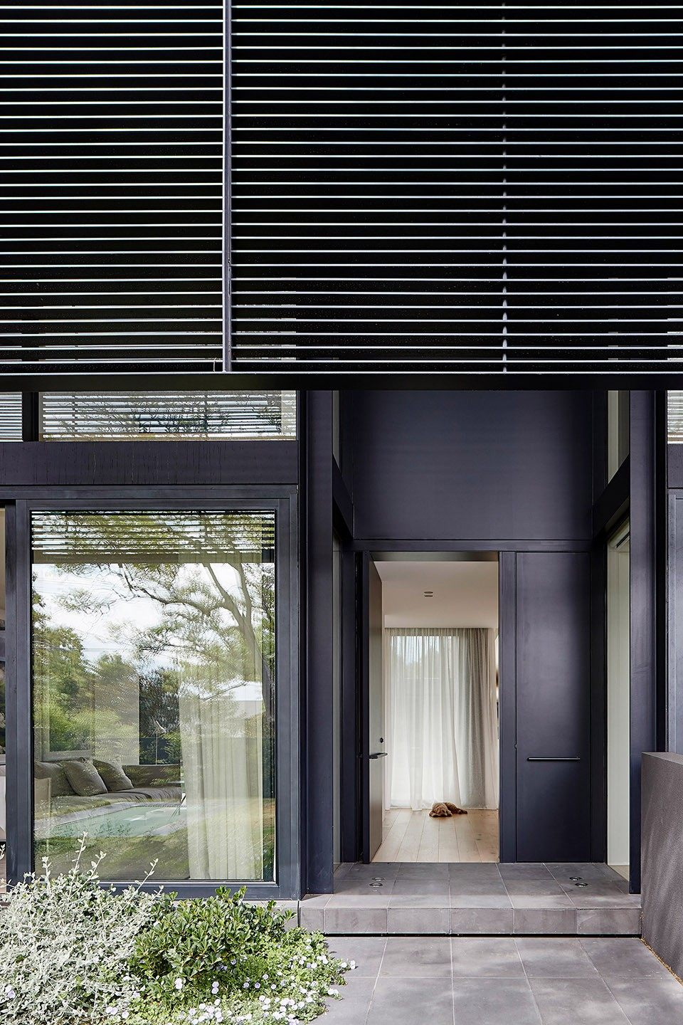 10-mayfield-avenue-residence-by-studiofour.jpg