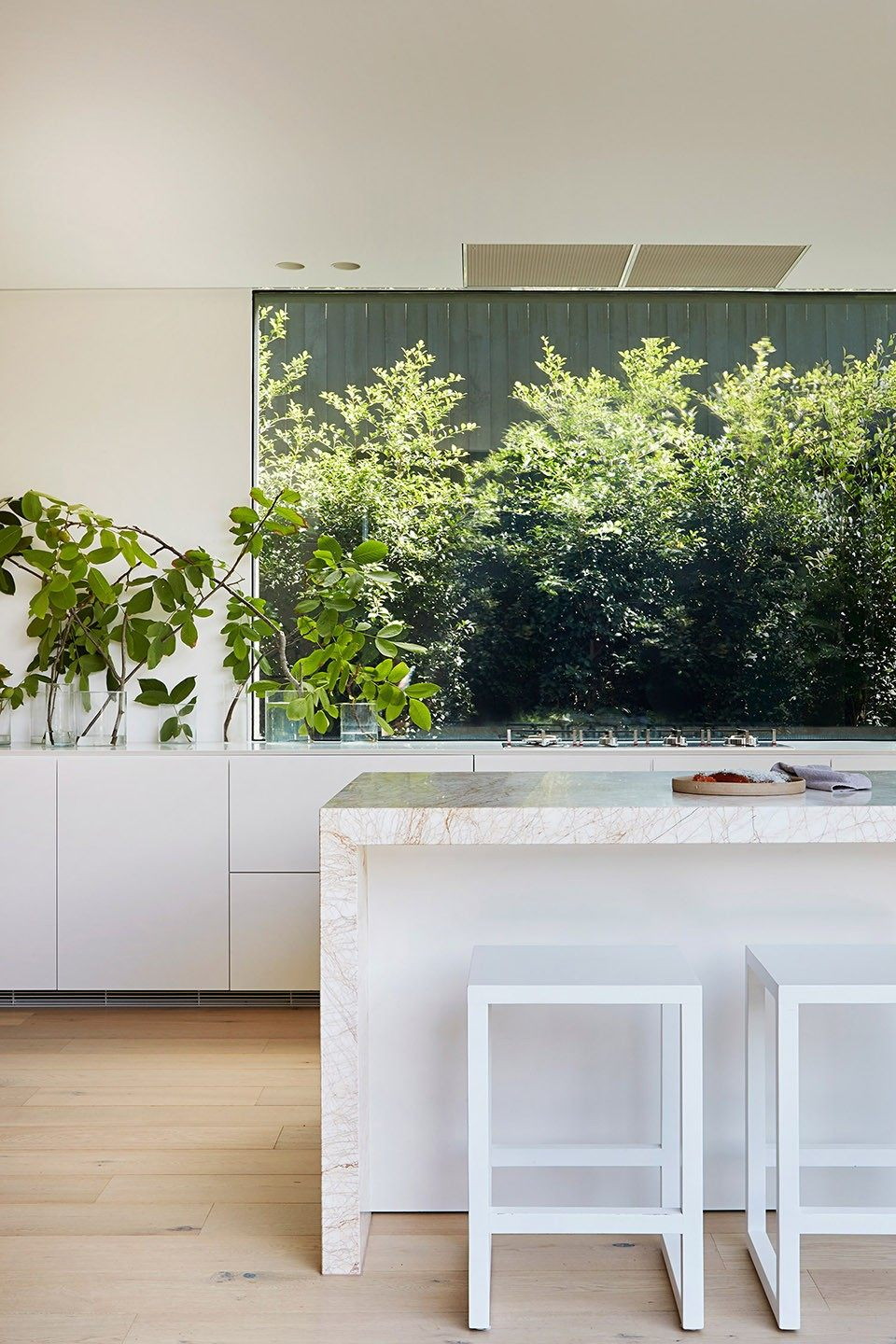 12-mayfield-avenue-residence-by-studiofour.jpg