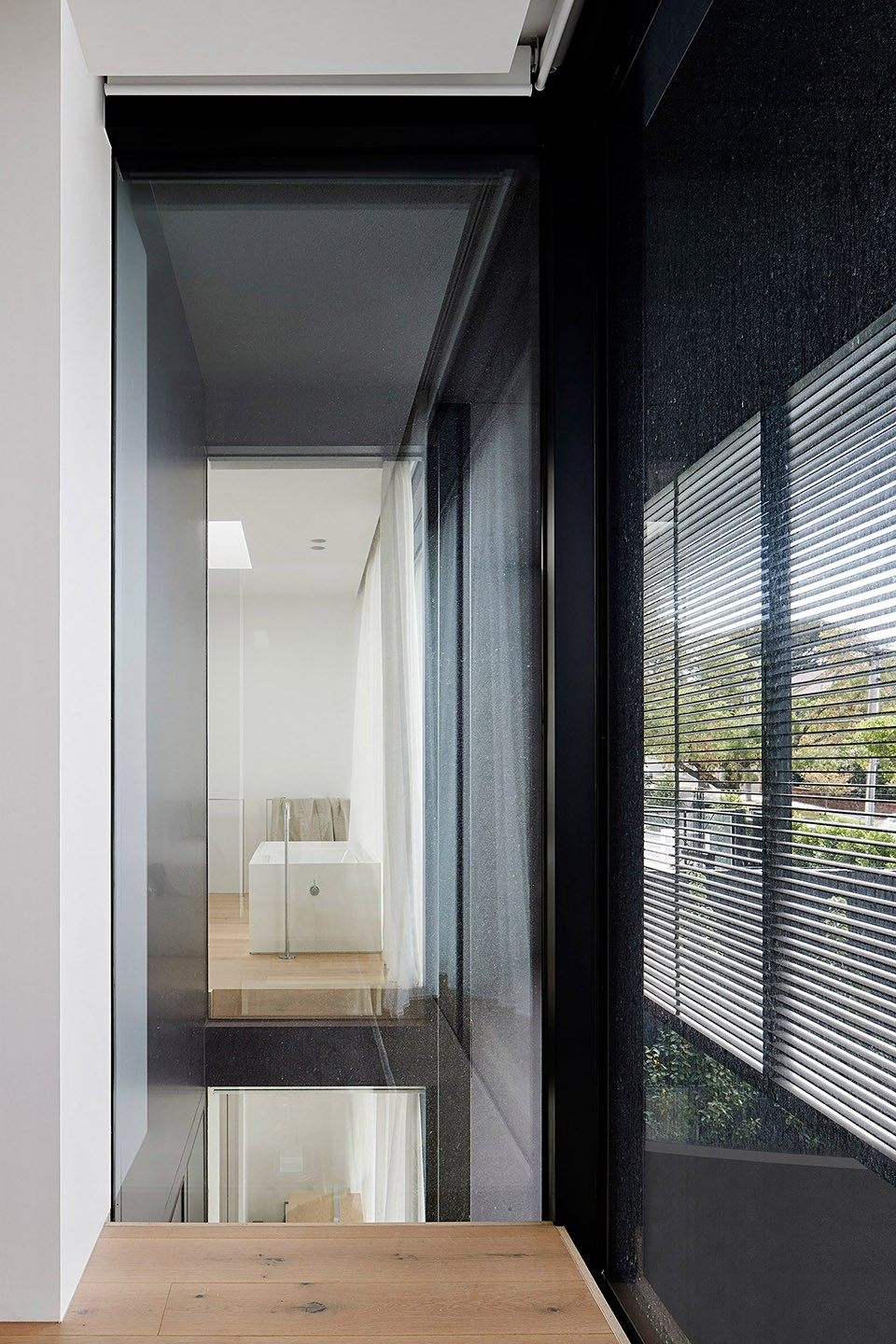 18-mayfield-avenue-residence-by-studiofour.jpg