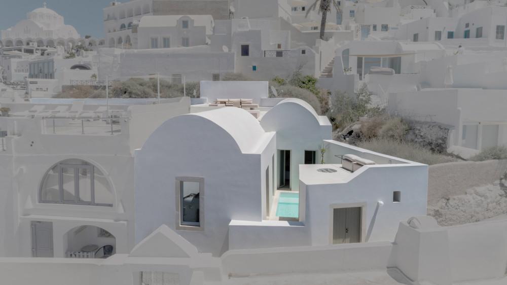 two_holiday_residences_fira_kapsimalis_architects_santorini_greece_dezeen_2364_col_0.jpg