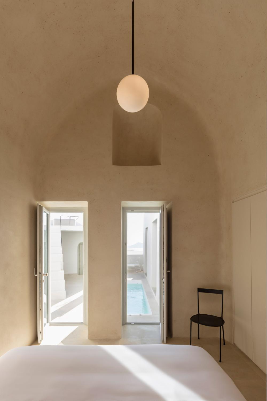 two_holiday_residences_fira_kapsimalis_architects_santorini_greece_dezeen_2364_col_28.jpg