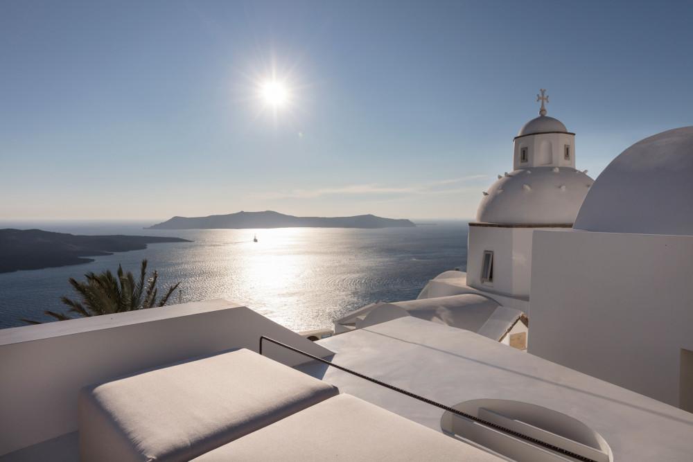 two_holiday_residences_fira_kapsimalis_architects_santorini_greece_dezeen_2364_col_34.jpg
