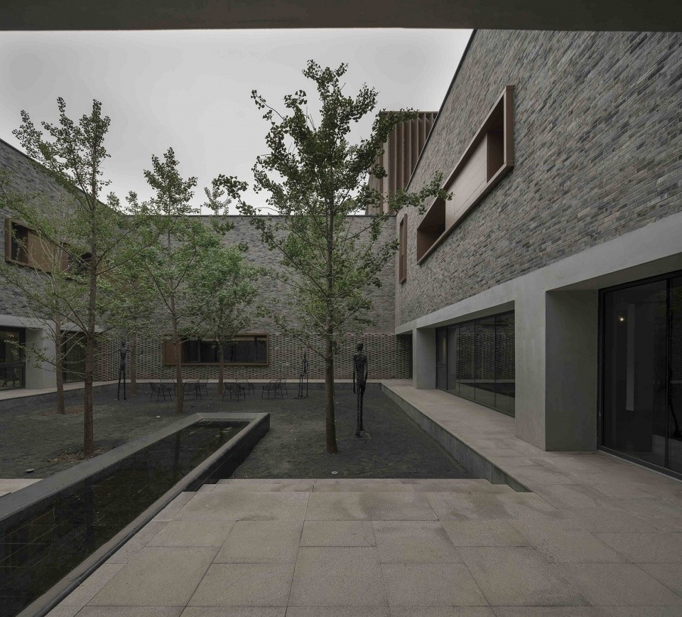 006-junshan-cultural-center-china-by-nerihu-design-and-research-office-960x868.jpg