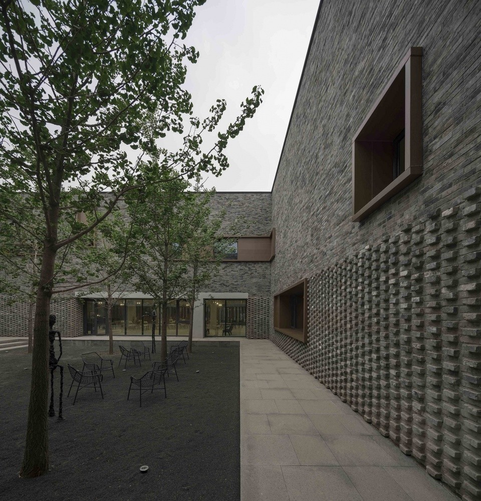 008-junshan-cultural-center-china-by-nerihu-design-and-research-office-960x1000.jpg