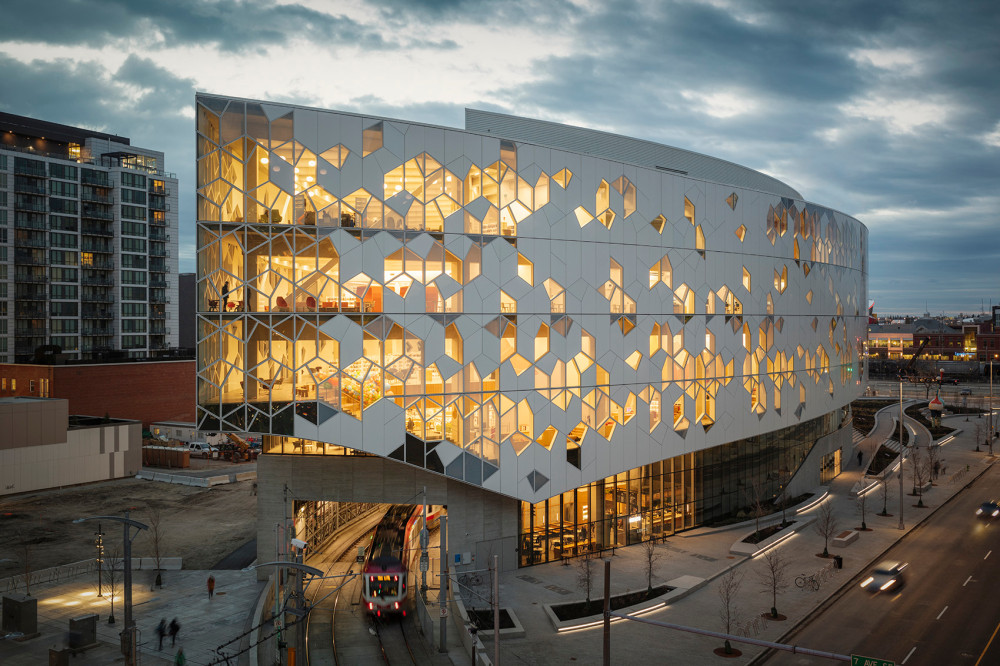 001-new-central-library-of-calgary-by-snohetta.jpg