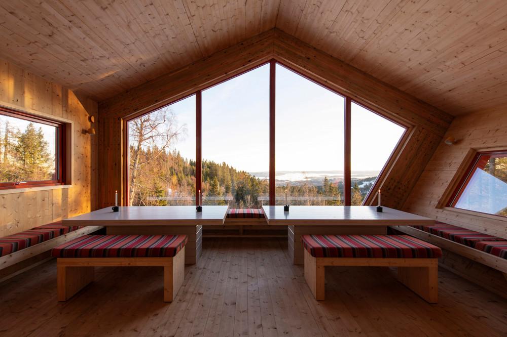 004-fuglemyrhytta-panoramic-self-service-cabin-by-snohetta.jpg