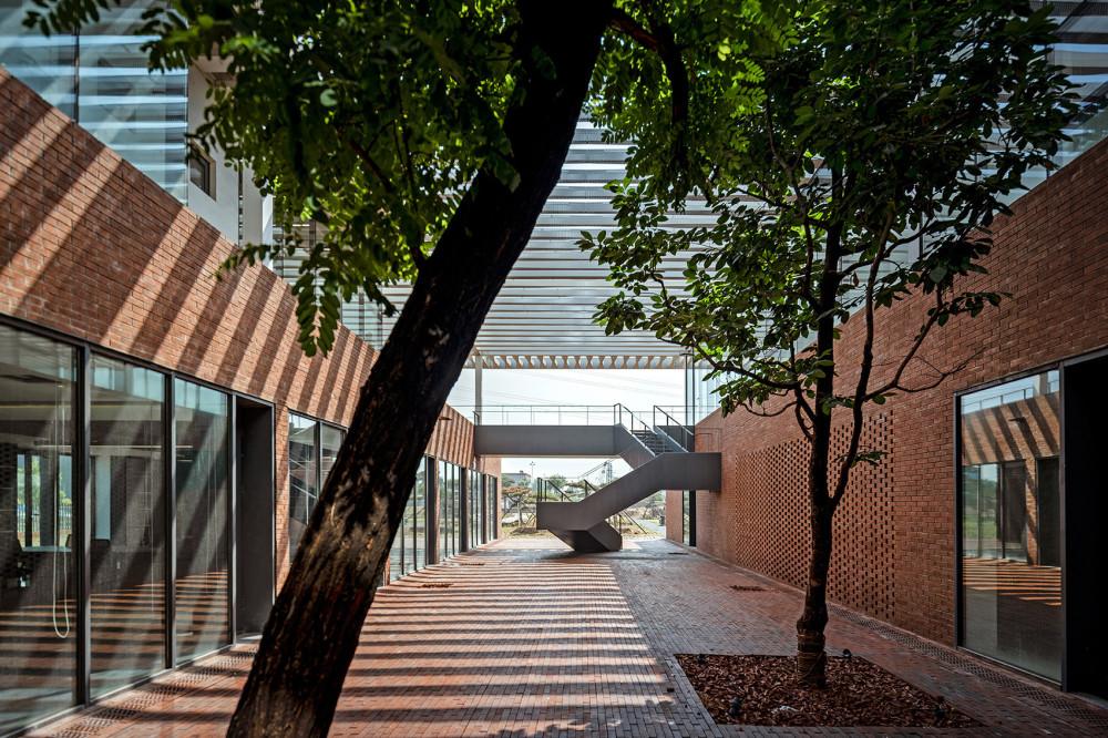 鼎石物流办公楼2.jpg