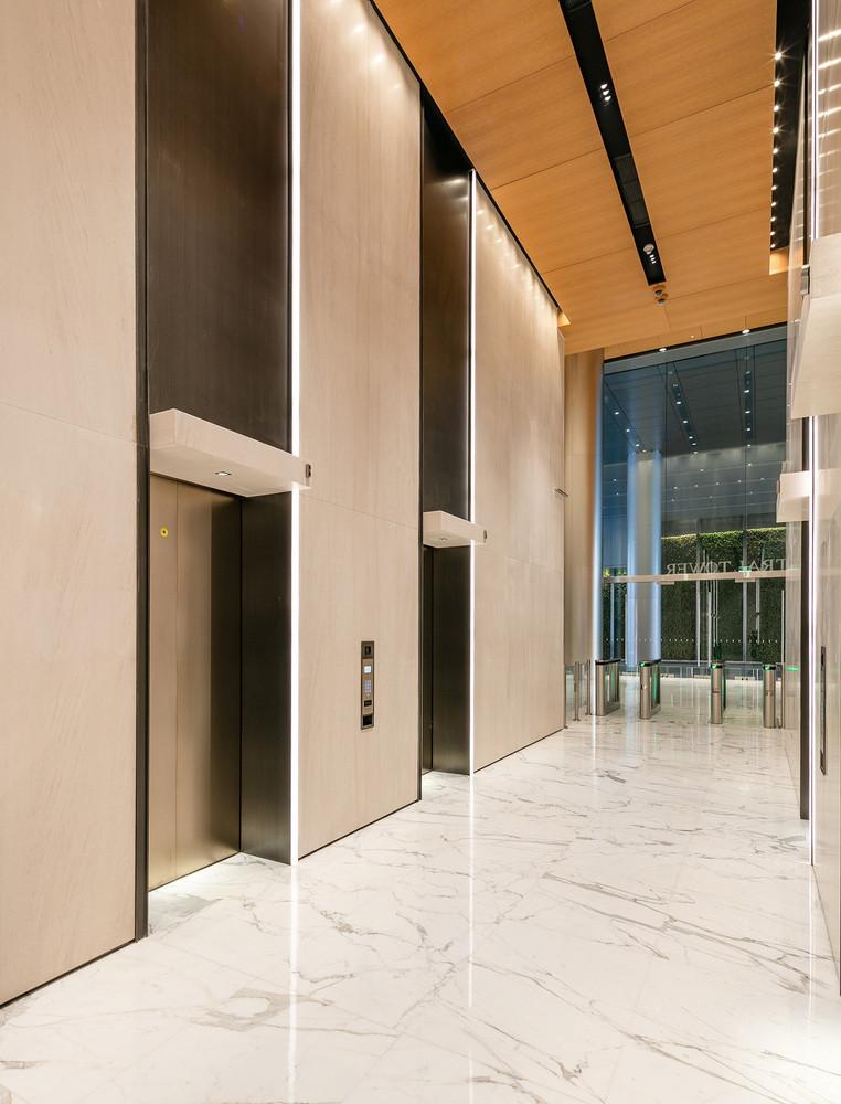 首层电梯厅.jpg