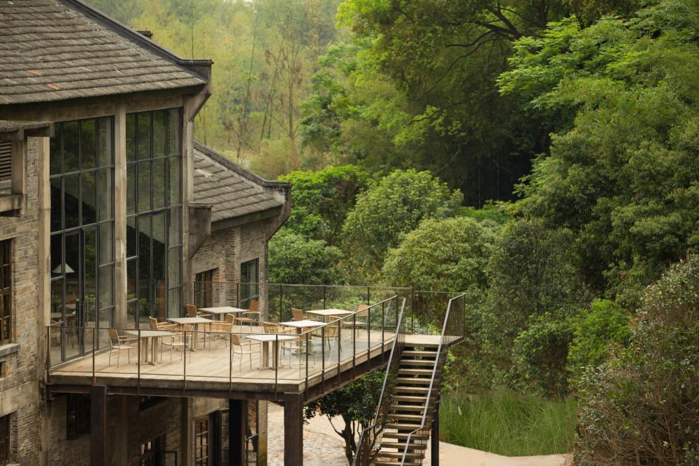 01.Alila-Yangshuo-F_B-Sugar-House-Restaurant-Outdoor.jpg