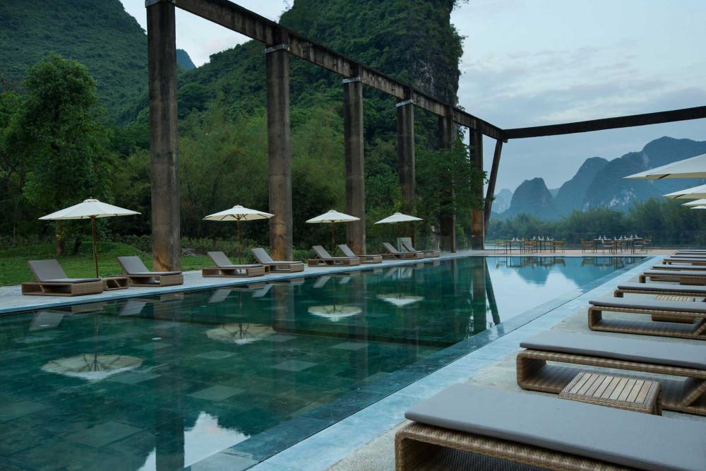 02.Alila-Yangshuo-Pool-Daytime泳池.jpg