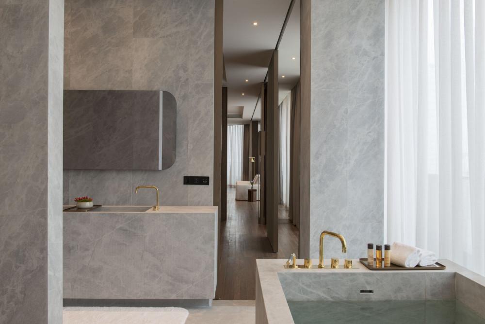 The_Attic_Suite_-_Bathroom_S.jpg