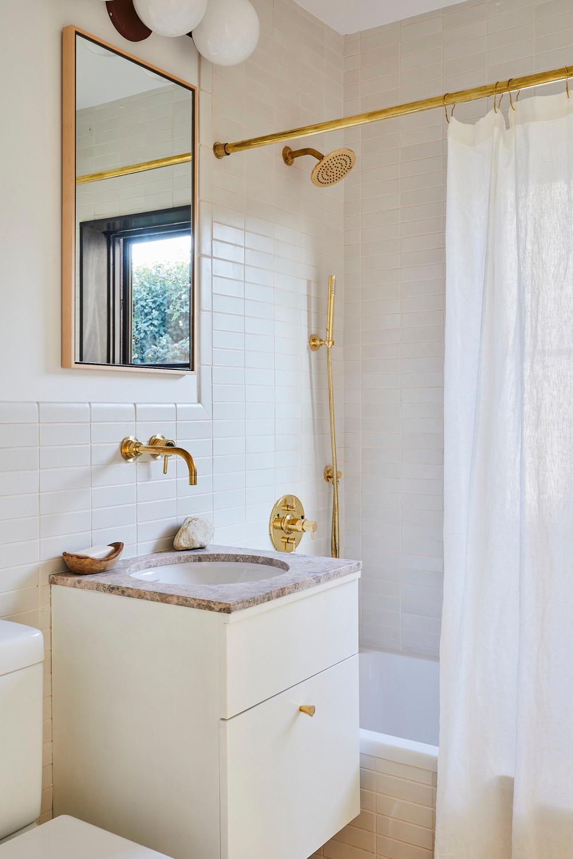 Nicole-Franzen_Bathroom_2_004.jpg