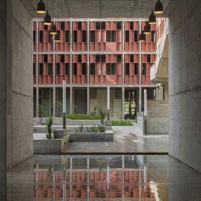 印度艾哈迈达巴德大学工程技术学院(2015)Vir.Mueller Architects