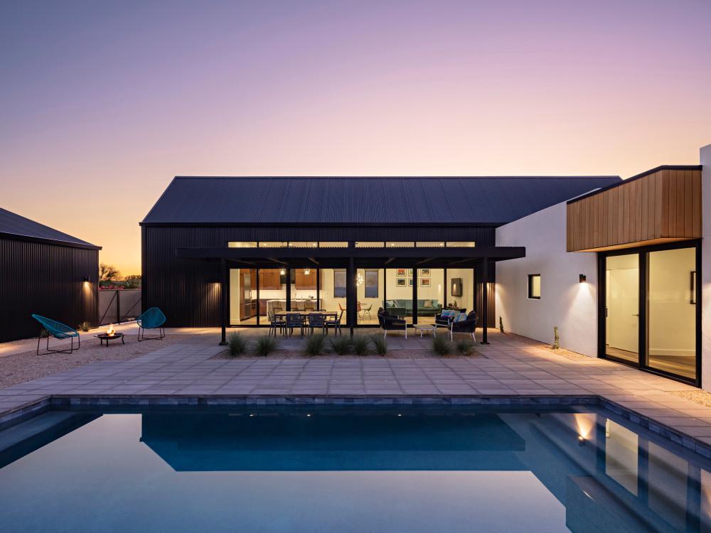 night_pool_courtyard_1.jpg