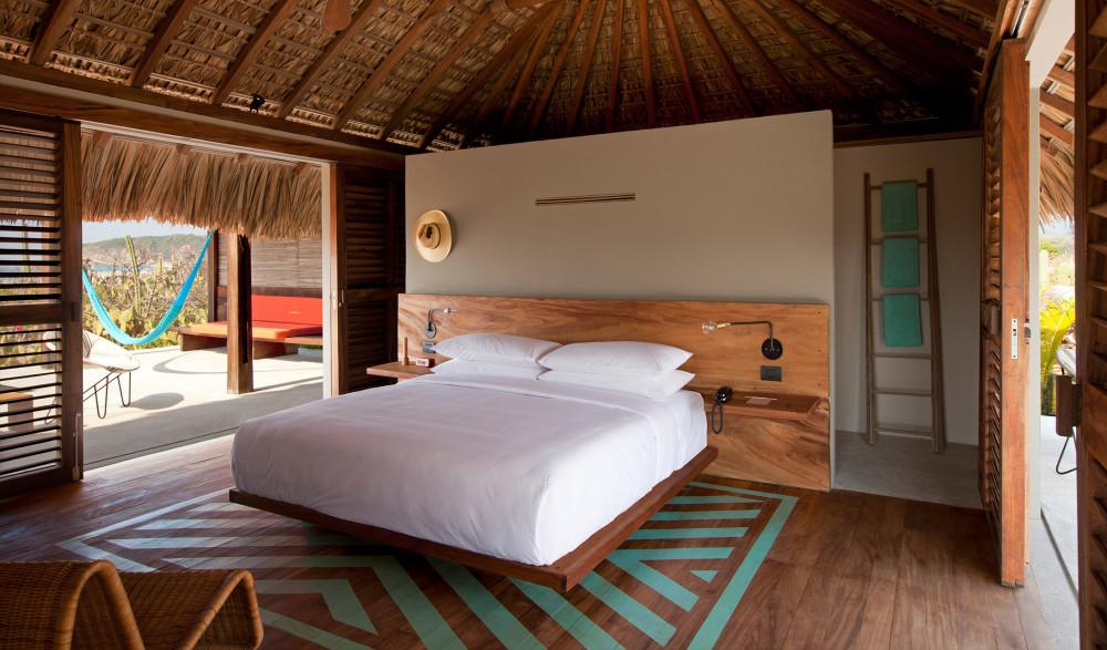 hotel-escondido-villa-guestroom-bed-inteiror-deign-terrace-view-m-04-r-jpg.jpg