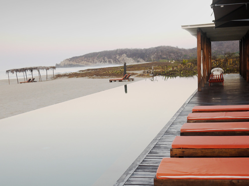 escondido-pool-beach-view-004-n.jpg