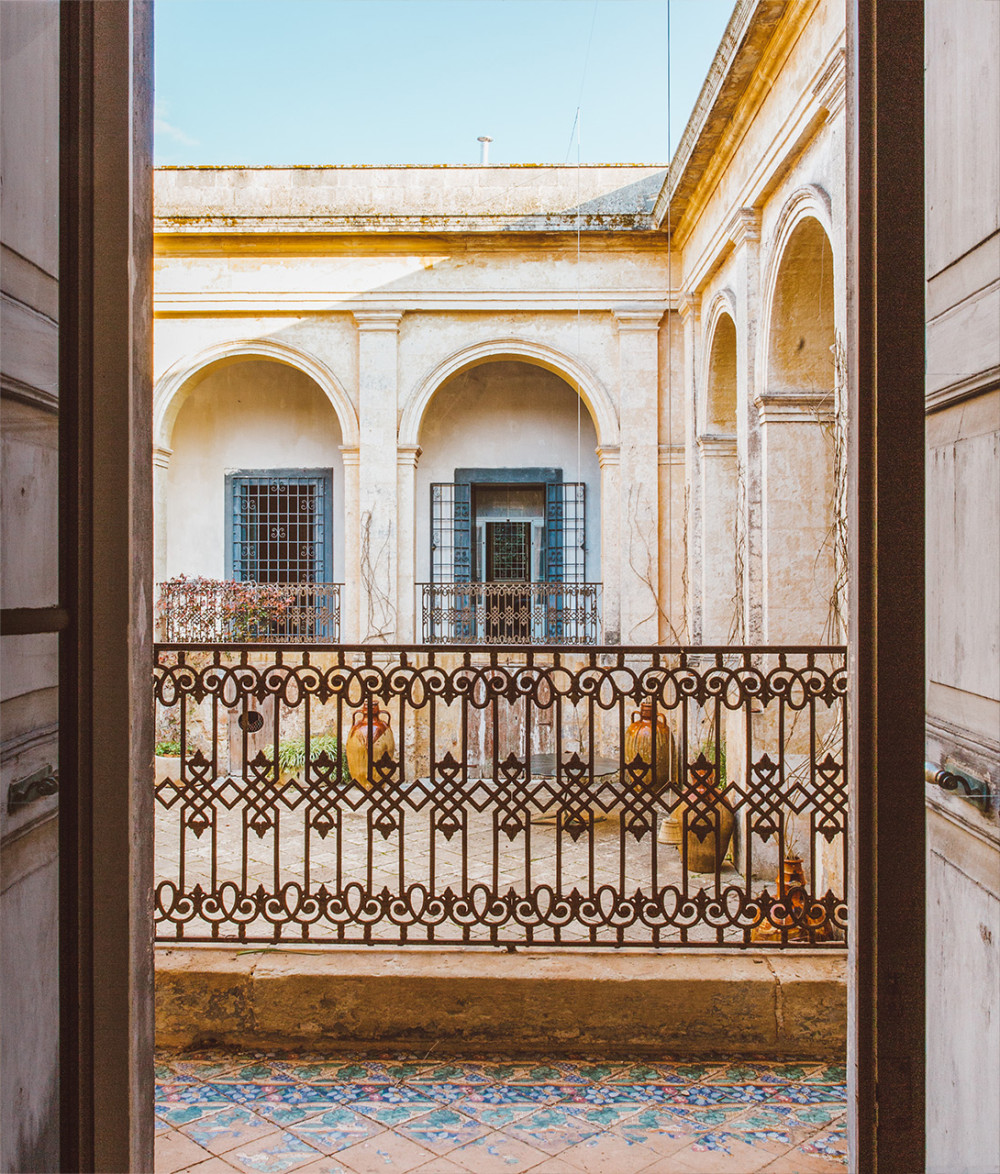 palazzo-daniele-bycicle-courty-yard-m-07-r-a-a.jpg