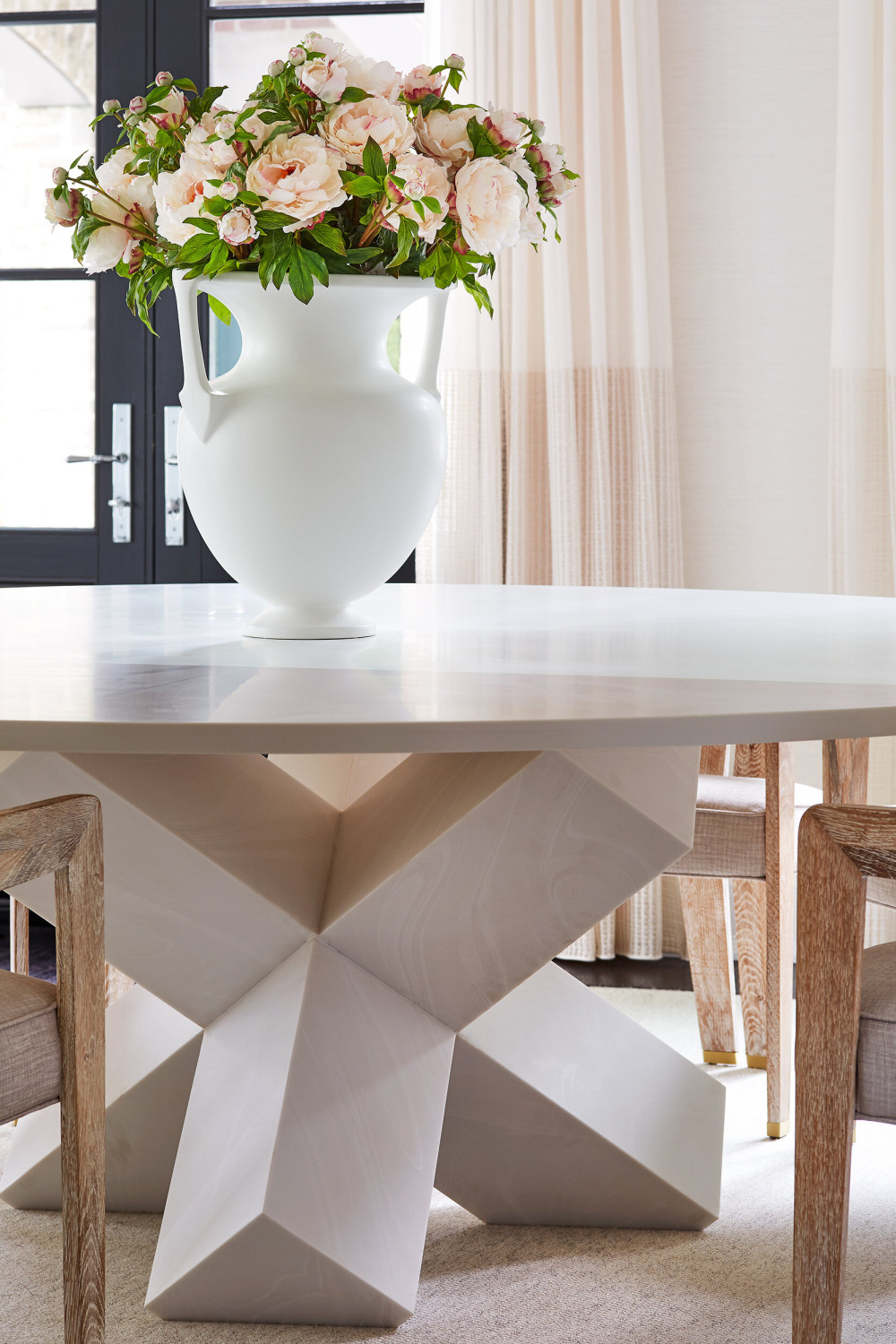 DiningRoom_Table_Detail-WEB.jpg