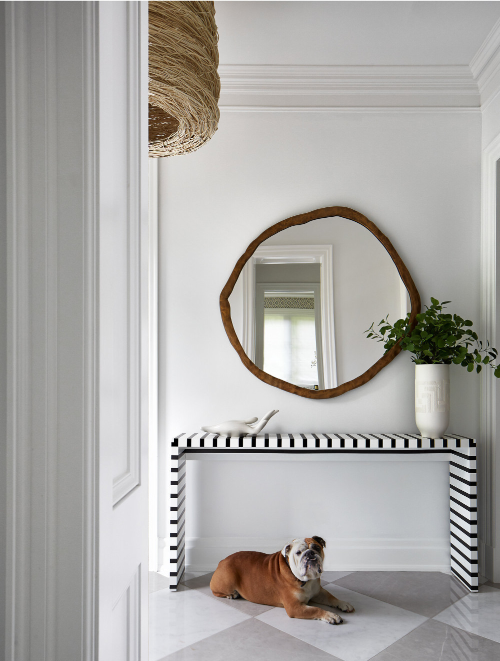 EntryWay_Mirror_DOG-WEB.jpg