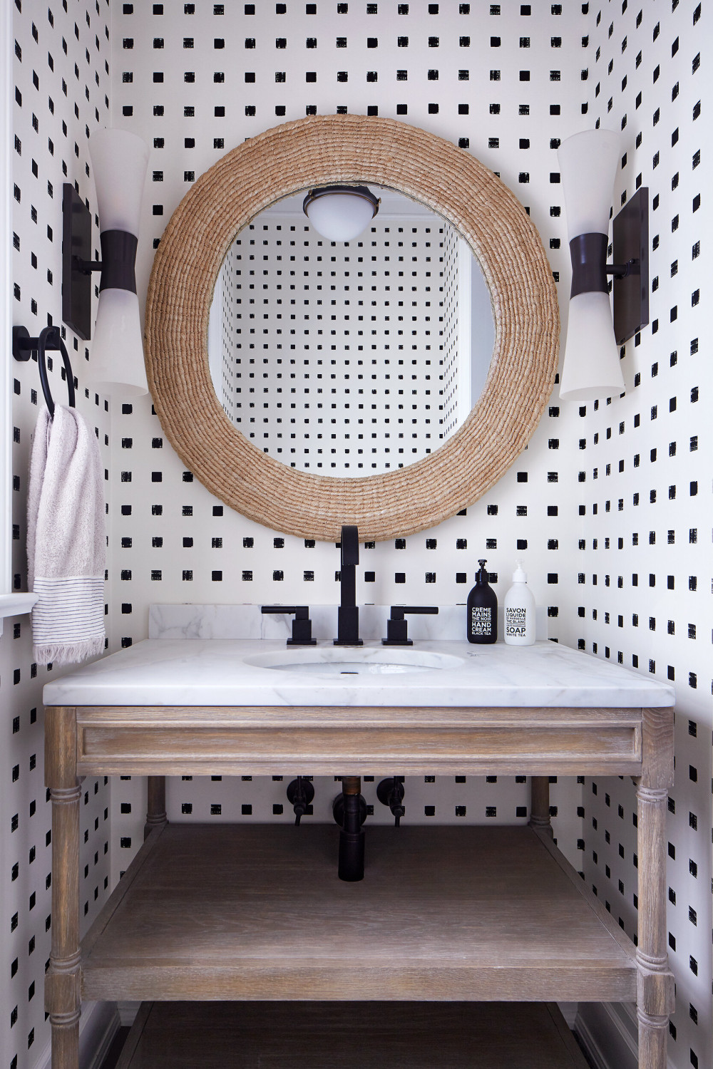 MainFloor_PowderRoom-WEB.jpg