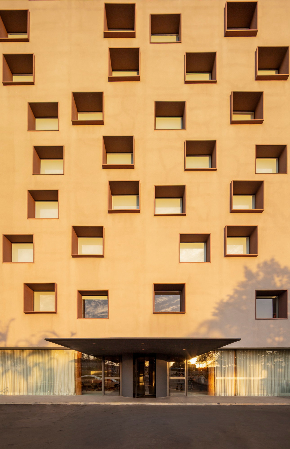 Hotel-B_701-FG.jpg