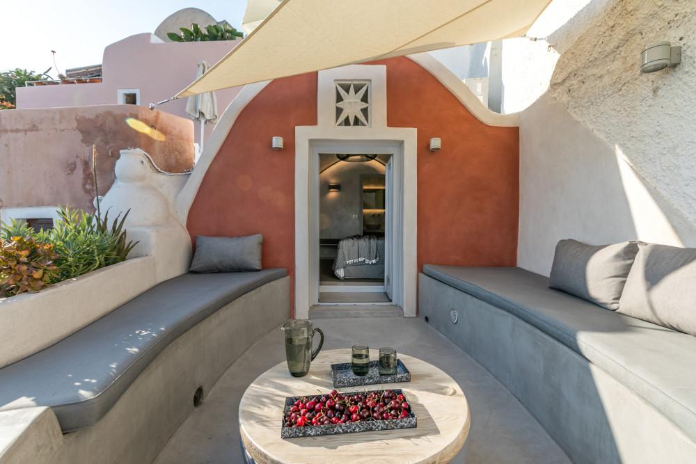 LimeDeco-TheMarbleSun-Santorini-site-1.jpg