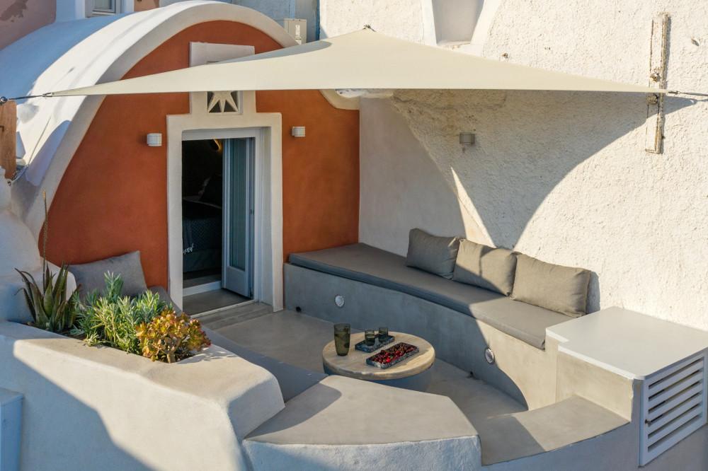 LimeDeco-TheMarbleSun-Santorini-site-5.jpg