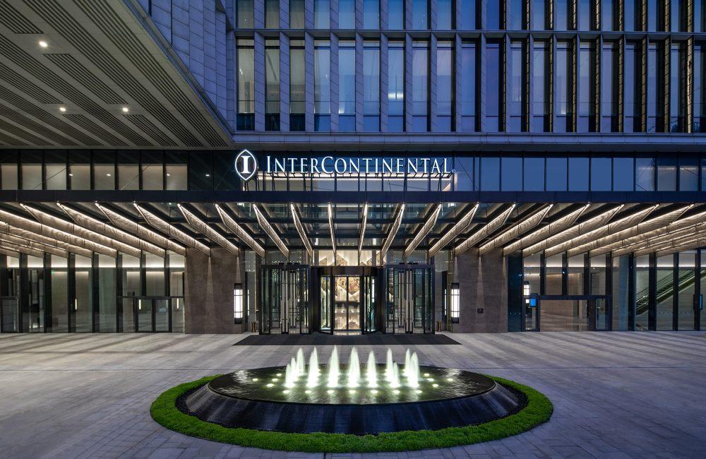 02酒店入口,图片由佛山新城保利洲际酒店提供.jpg