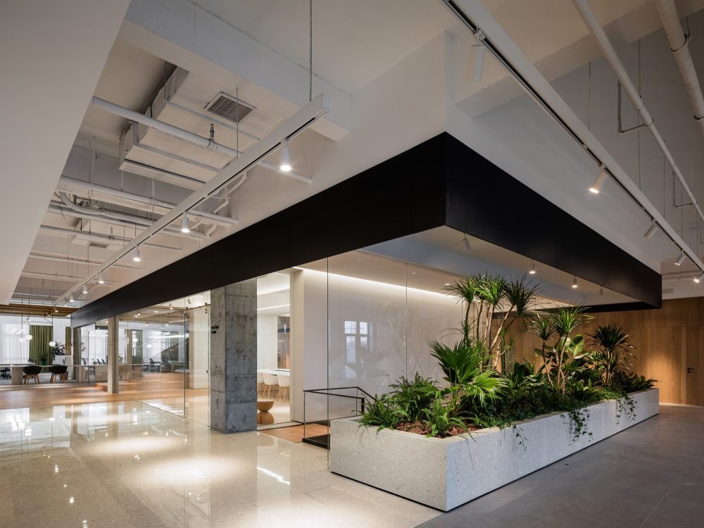 中国宁波 | ONEMORE 办公楼 | 2021 | 琢磨设计_ONEMORE办公02.jpg